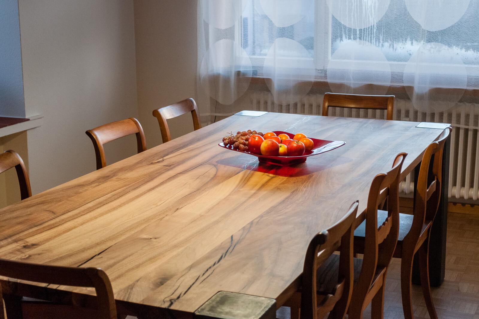 Esstisch mit Stühlen